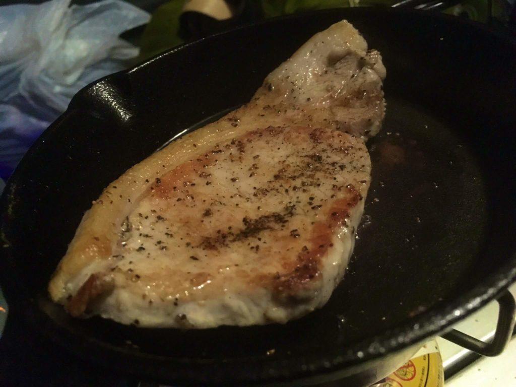 豚肉のステーキ